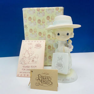 Precious Moments figurine Seek ye shall find NIB